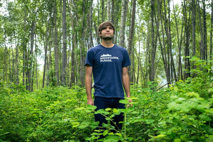 """Benjamin Gibbard Shares Cover of Frightened Rabbit's """"Keep Yourself"""