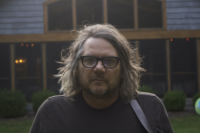 """Jeff Tweedy Announces New Album, Shares New Songs """"Guess Again"""" and """"Love Is the King"""""""