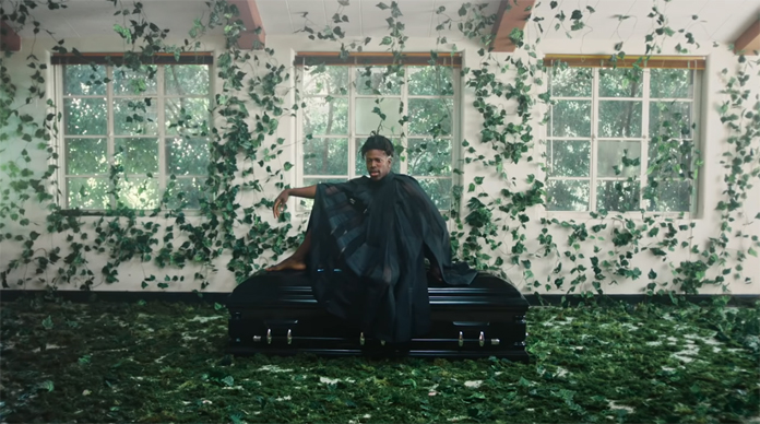 """Moses Sumney Shares Visually Striking Self-Directed Video for """"Cut Me"""""""