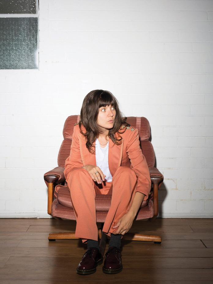 "Courtney Barnett Shares Cover of Kev Carmody's ""Just For You"""