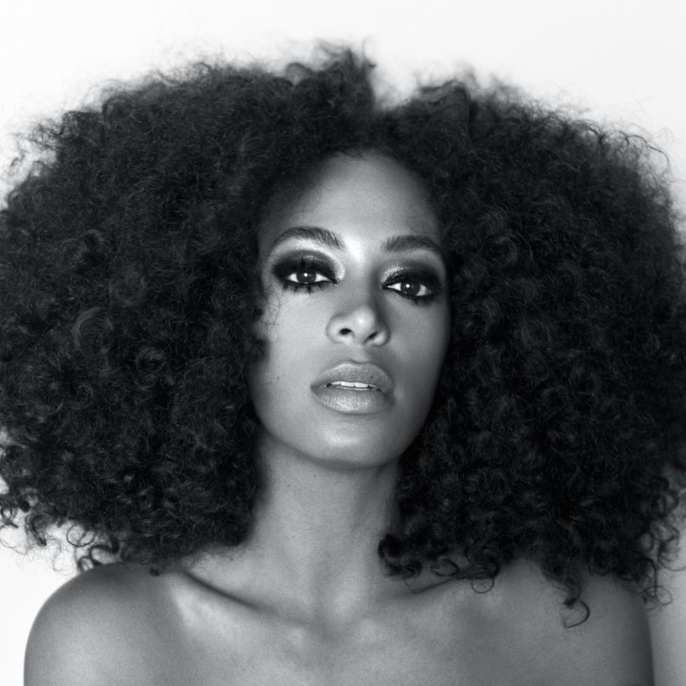 "Watch: Solange Cover Kate Bush's ""Cloudbusting"" At Coachella"